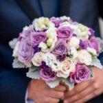 līgavas pušķis, violeti ziedi kāzām