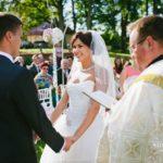 kāzas Mālpils parkā