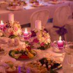 Billes nams, kāzu galdu dekorācijas