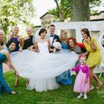 ģimenes foto kāzās
