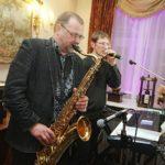 saksofons kāzās