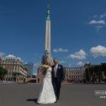 kāzas Vecrīgā, Brīvības piemineklis