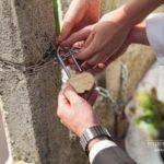 kāzu slēdzene pie tilta, kāzu tradīcijas