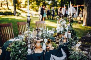 kāzu galdu dekorācijas