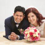 jaunais pāris, kāzu fotogrāfijas, laulību ceremonija, tēvs un līgavainis kāzās, Kāzu Aģentūra