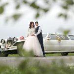 kāzu retro auto, fotogrāfijas, laulību ceremonija, tēvs un līgavainis kāzās, Kāzu Aģentūra