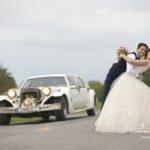 kāzu fotogrāfijas, kāzu auto, laulību ceremonija, tēvs un līgavainis kāzās, Kāzu Aģentūra