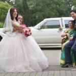 mammas kāzās, Mežotnes pils, laulību ceremonija, tēvs un līgavainis kāzās, Kāzu Aģentūra