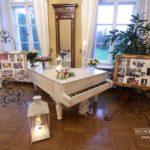 kāzu fotovide, Mežotnes pils kāzās, laulību ceremonija, tēvs un līgavainis kāzās, Kāzu Aģentūra